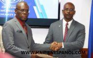 Jean Michel Lapin instala un nuevo ministro de finanzas y explica la reducción de personal del gobierno